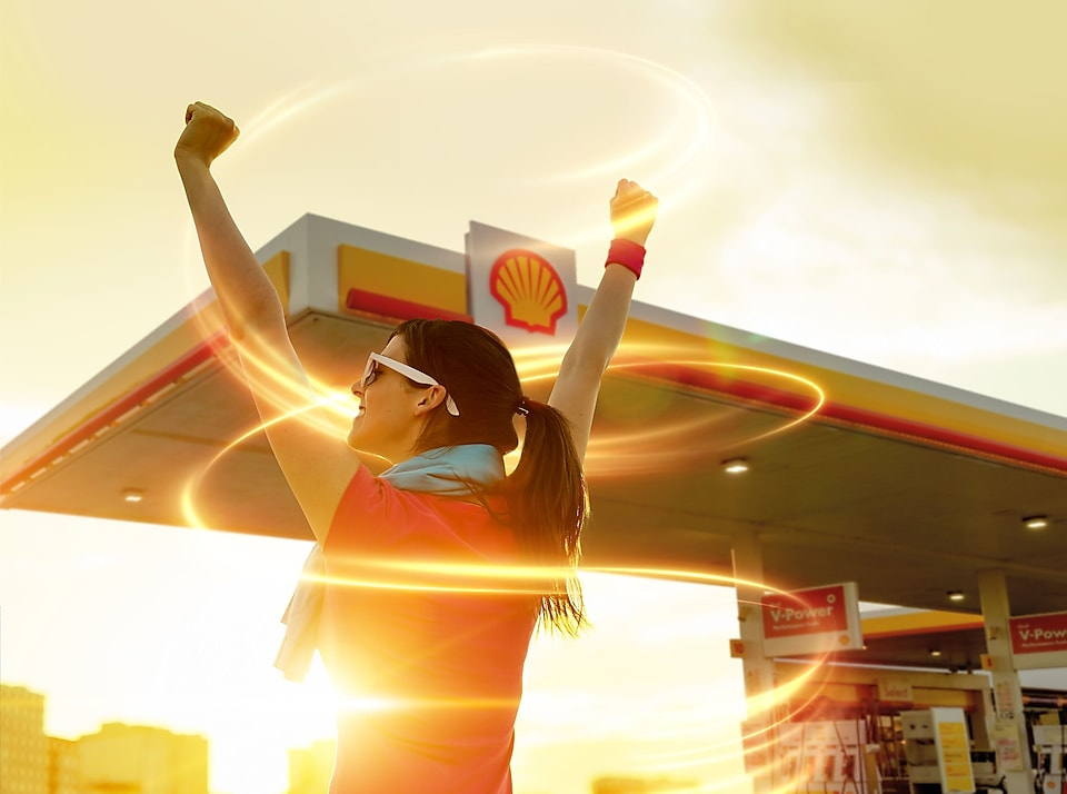 Women at Shell pump station